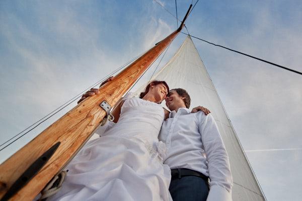 plener ślubny na łódce, plener na żaglach